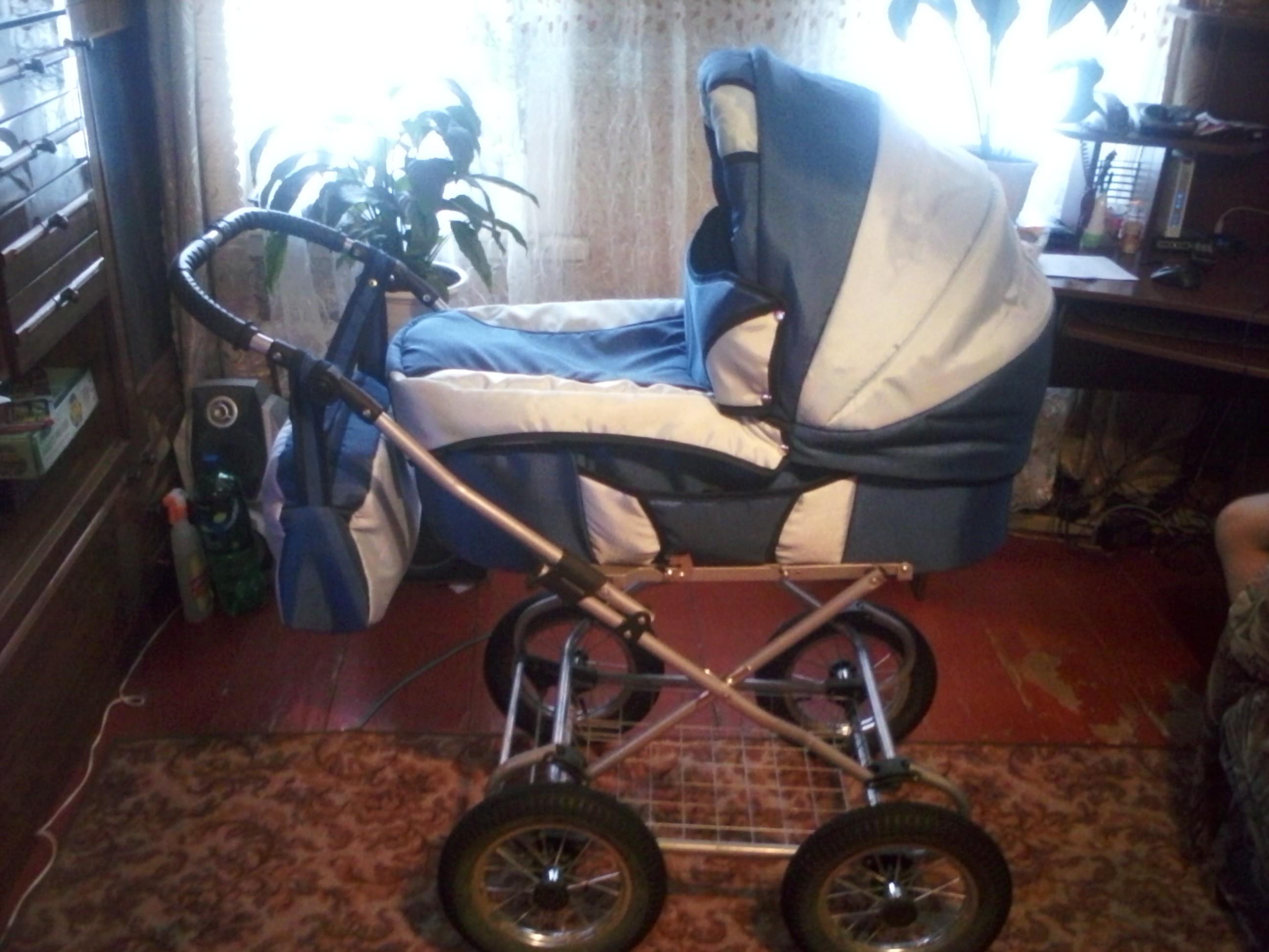 Фото - Детская коляска