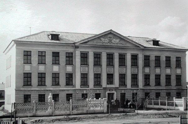 Посёлок Октябрьский. Средняя школа (1959 г.)