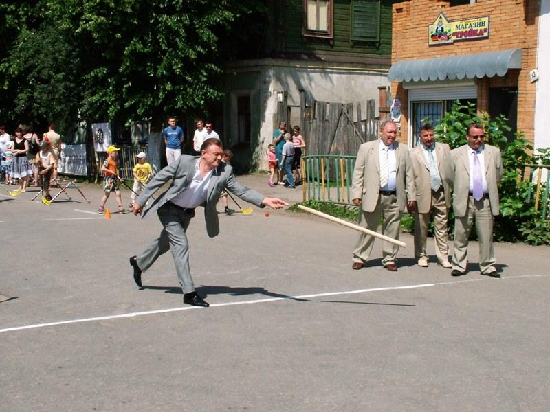 Бросок Губернатора О. Ковалева. Фото С. Мохов