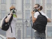 Жительница столицы приняла решение засудить всех чиновников за смог